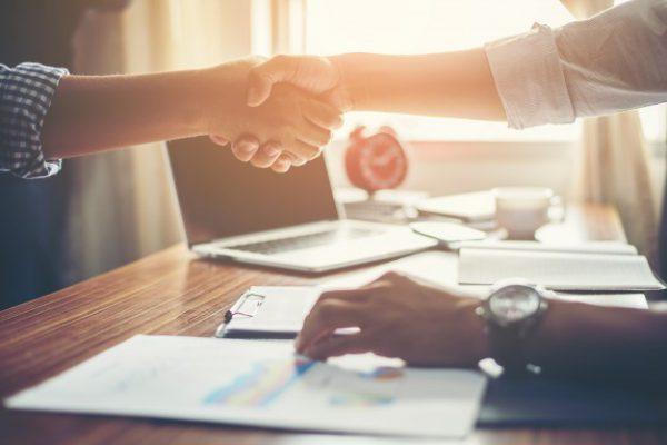 عقد قرارداد رسمی با مشتری